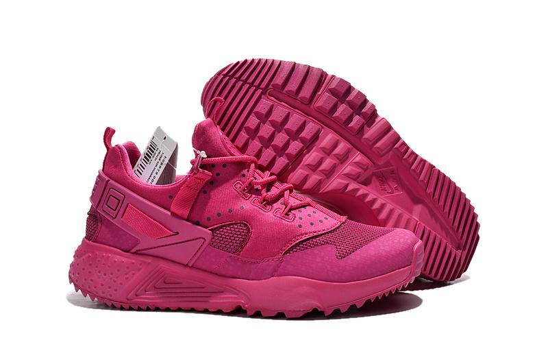 a7f2184a8ab5 Nike a en fait été reconnu faisant des chaussures huarache ultra femme  phénoménal. Ils ont le marché des chaussures de sport verrouillé, comme ils  font tout ...
